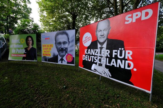 Manifesti elettorali a sud di Bonn (Germania), 1 ottobre 2021.