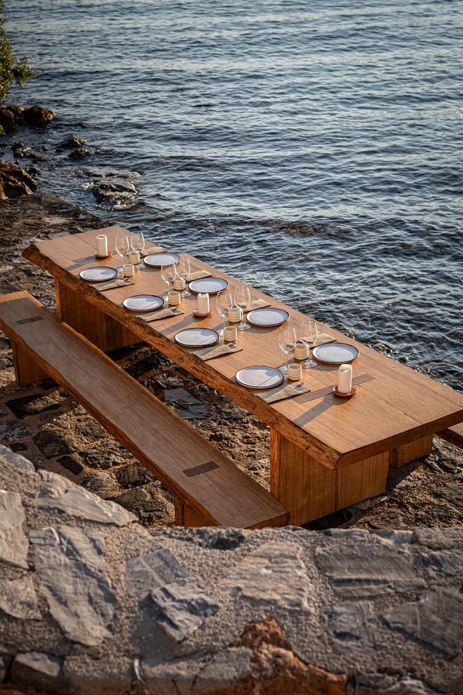 Une table éphémère à Kaplankaya, en Turquie.
