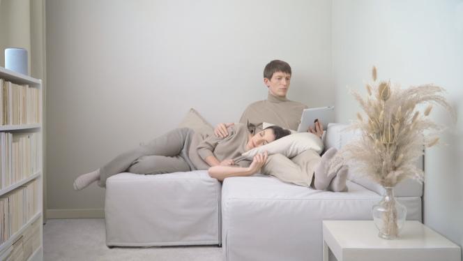 Capture de «A Truely Shared Love», d'Emilie Brout & Maxime Marion, présenté par la galerie 22,48 m2 (Paris), qui a gagné le1erprix du jury à la foire Around Video 2021.