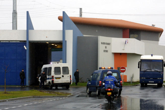The Toulouse-Seysses remand center, January 26, 2003.