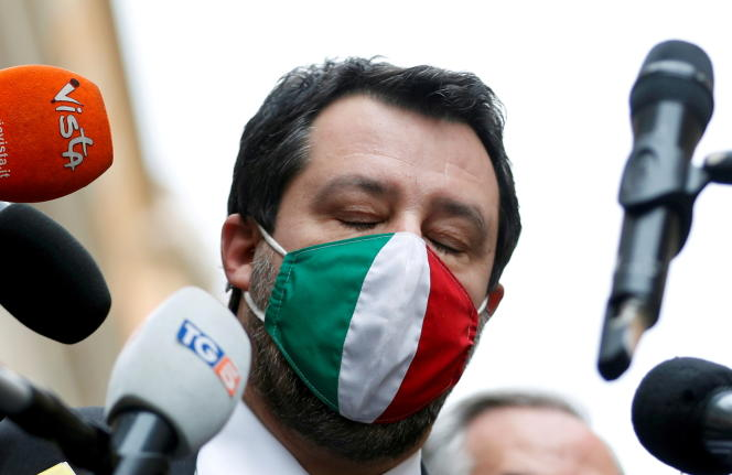 Le chef du parti italien de la Ligue, Matteo Salvini, face aux journalistes, à Rome, le 28 janvier 2021.