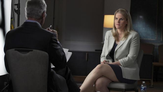 Frances Haugen, dimanche 4 octobre dans l'émission de télévision « 60 Minutes», durant laquelle elle a révélé son identité.