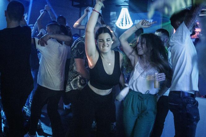 La discothèque La Baie des anges ouvre ses portes après des mois d'inactivité, le 18 septembre 2021.
