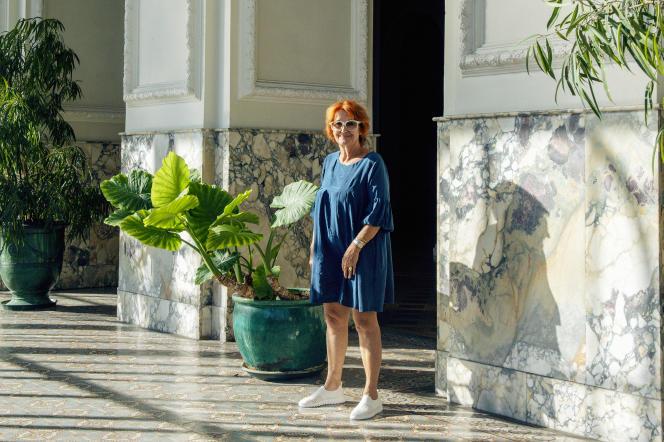 Nicole Tranchard, présidente du conseil syndical, dans le hall d'entrée du Régina, à Nice, le 20septembre 2021.