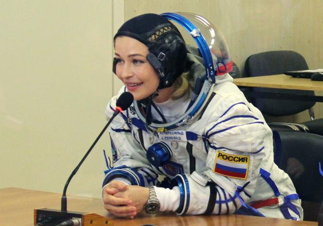 L'actrice Ioulia Peressild, avant le lancement du vaisseau spatial Soyouz MS-19, au cosmodrome de Baïkonour, au Kazakhsta, le 5 octobre 2021.