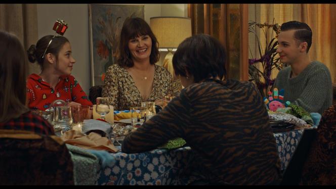 Zélie Rixhon, Marina Hands et Jérémy Gillet dans« Mytho» saison 2, réalisée par Anne Berest et Fabrice Gobert.