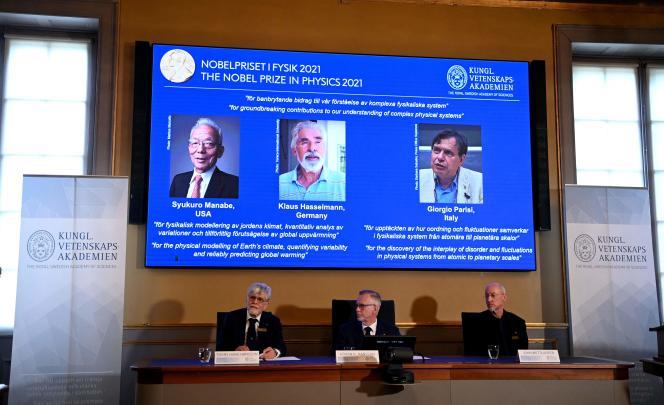 Lors de l'annonce des lauréats du prix Nobel de physique, à l'Académie royale des sciences, à Stockholm, le 5 octobre 2021.