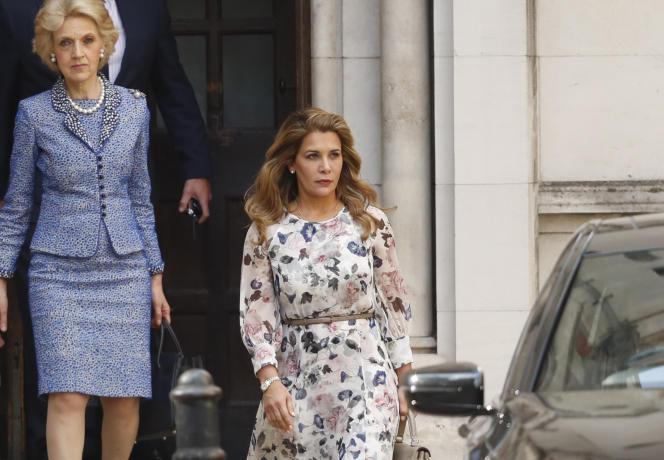 Prinses Haya Bint Al Hussein, bij het verlaten van een Londense rechtbank in juli 2019. Een Britse rechtbank heeft bevestigd dat de prinses is bespioneerd met behulp van de Pegasus-software.