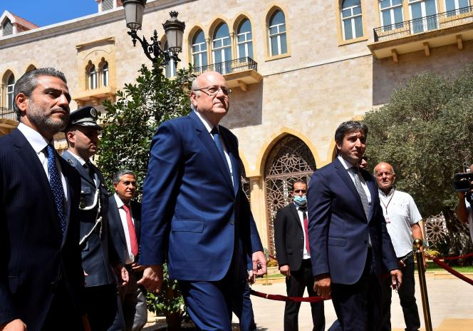 Le premier ministre libanais Najib Mikati lors d'une cérémonie officielle marquant son entrée en fonction au palais du gouvernement à Beyrouth, au Liban, le 13 septembre 2021.