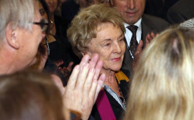 Mona Ozouf a reçu le prix de la langue française, le 6 novembre 2015 au salon du livre de Brive (Corrèze).