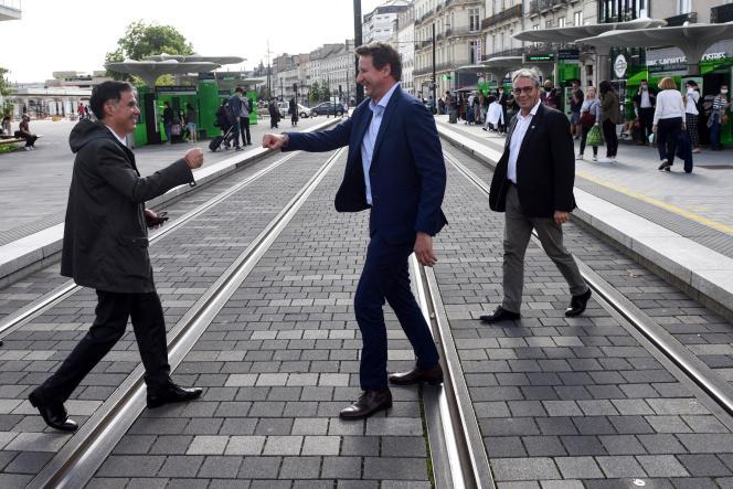 Le premier secrétaire du PS, Olivier Faure,et l'eurodéputé écologiste Yannick Jadot, àNantes, le 24 juin 2021.