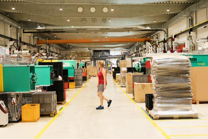 Die Fabrik von Alcaplast, die Sanitärkeramik und Badezimmersets herstellt, in Briclaw, 27. September 2021.
