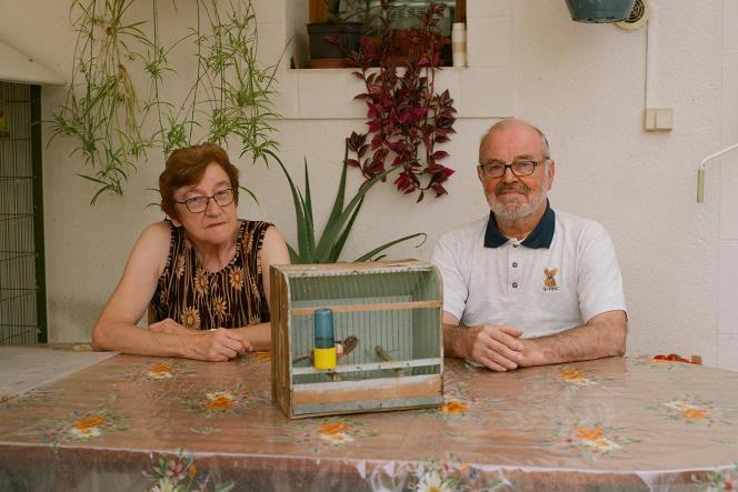 Renée et Serge Trinel, dans leur maison de Controis-en-Sologne (Loir-et-Cher), le 17septembre 2021.