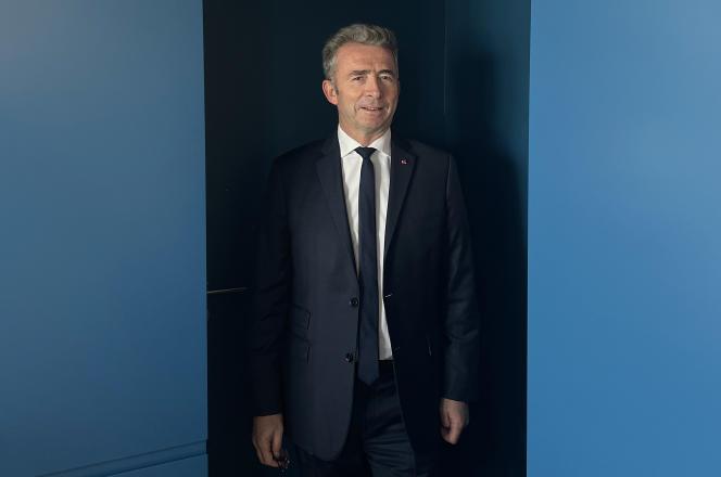 Le général Christophe Gomart, directeur de la sécurité, des risques et du management de crise pour Unibail-Rodamco-Westfield, dans les locaux de l'agence Majorelle, à Paris, le 7 octobre 2021.
