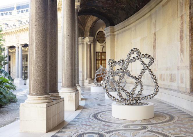 «Nœuds miroirs» (2021), de Jean-Michel Othoniel.