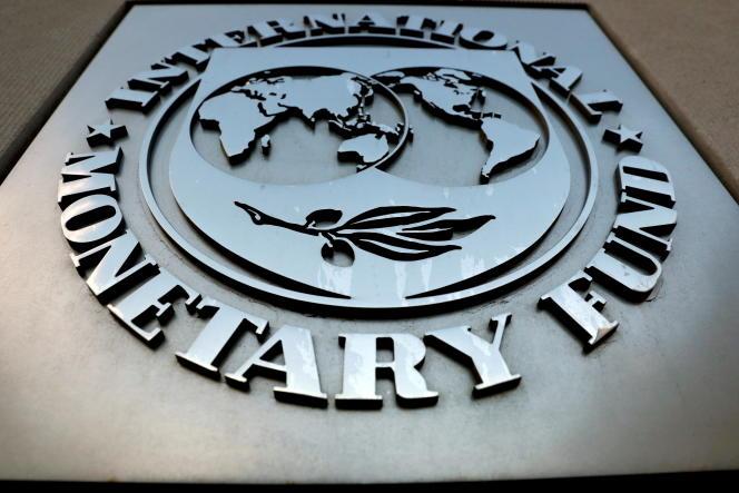 Devant le siège du Fonds monétaire international (FMI), à Washington, le 4 septembre 2018.