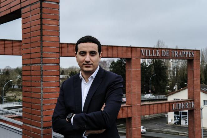 Le maire de Trappes (Yvelines), Ali Rabeh, sur la terrasse de la mairie de sa ville, le 17février 2021.