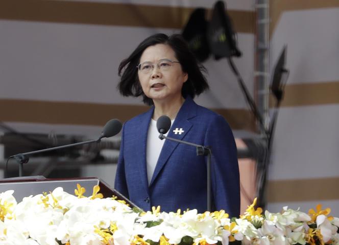 La presidenta de Taiwán, Tsai Ing-wen, durante su discurso en el Día Nacional en Taipei, el domingo 10 de octubre de 2021.