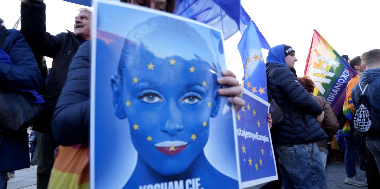 « Nous, universitaires, refusons le discours opposant souveraineté nationale et primauté du droit de l'Union européenne »