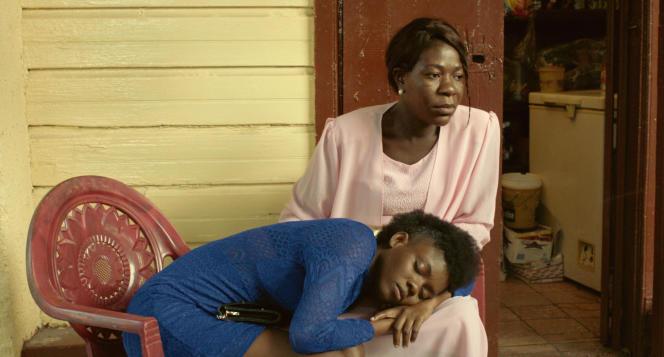 Freda (Néhémie Bastien) et sa mère Jeanette (Fabiola Rémy), dans « Freda », de Gessica Généus.