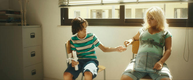 Dennis (Tommaso Di Cola) et Vilma (Ileana D'Ambra) dans le film «Storia di Vacanze» des frères D'Innocenzo.