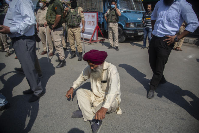 On Friday, October 8, 2021, a member of the Sikh community staged a roadblock to protest the murder of a female teacher at a public school in Srinagar, India.