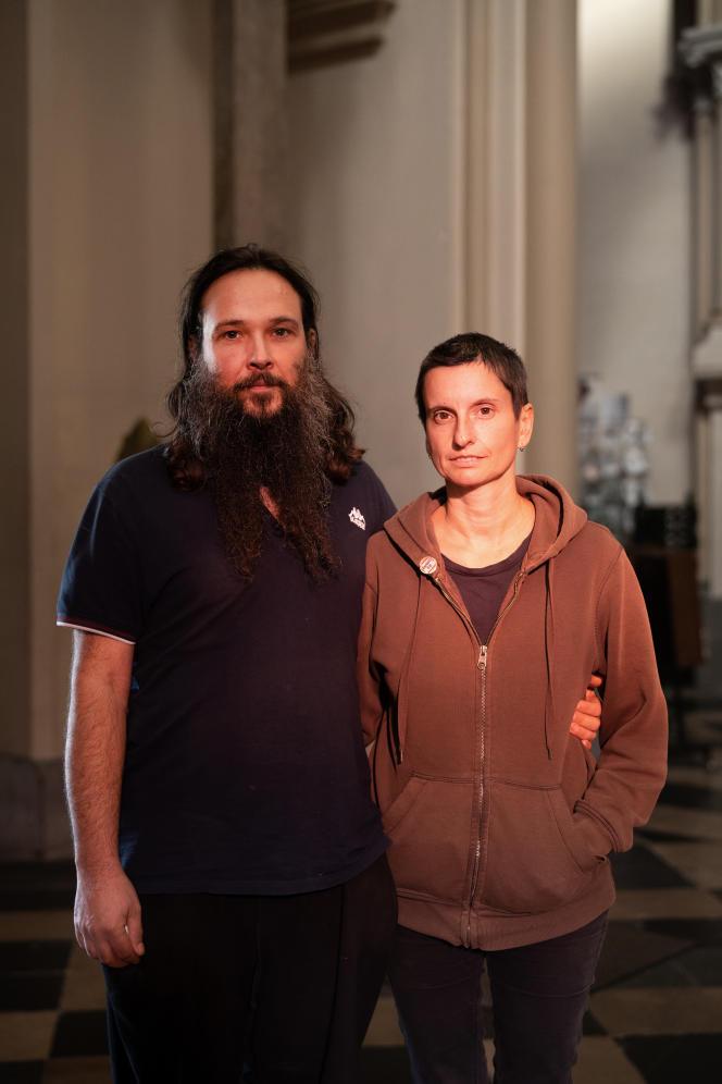 Anaïs Vogel et Ludovic Holbein s'engagent dans une grève de la faim pour alerter sur les conditions de vie à Calais des personnes migrantes, et en réaction au décès de Yasser Abdallah, survenu le 28 septembre alors qu'il tentait de passer en Angleterre, à Calais (Pas-de-Calais), le 11 octobre 2021.