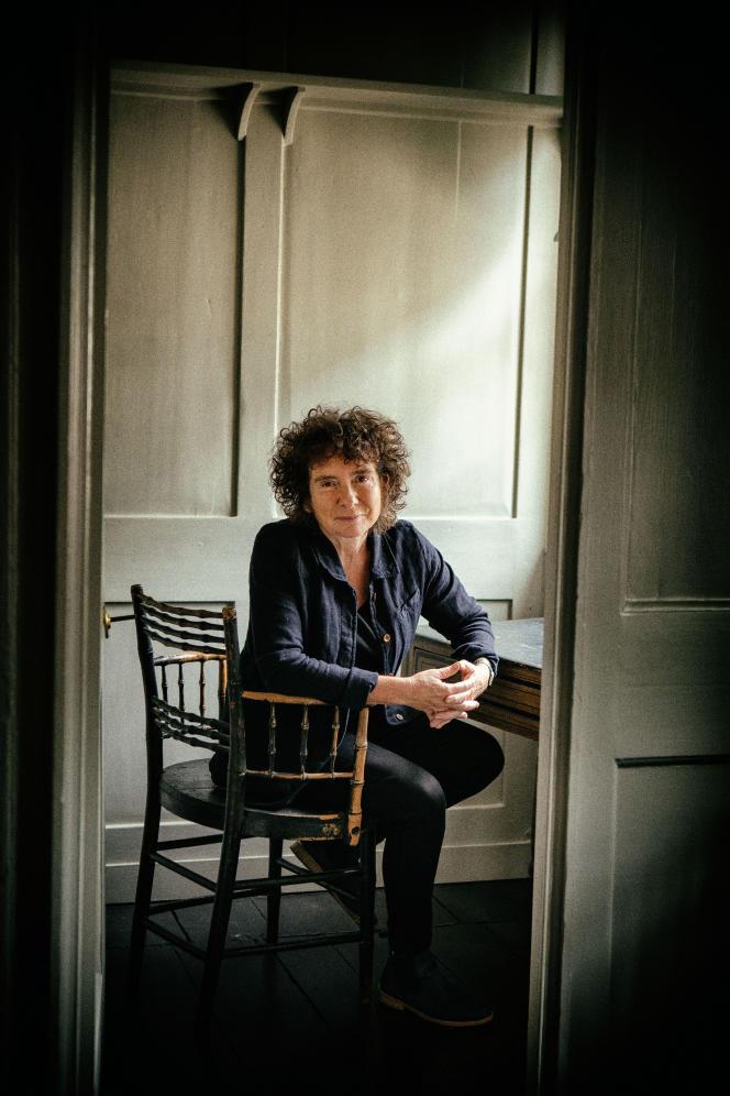 L'écrivaine britannique Jeanette Winterson, chez elle, à Londres.
