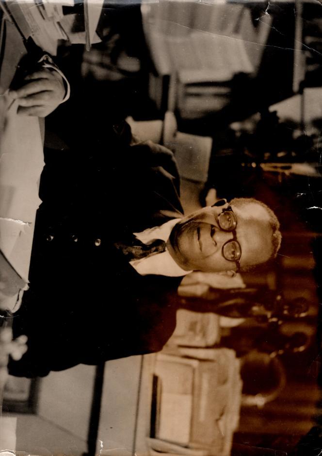 L'écrivain René Maran, dans les années 1940.