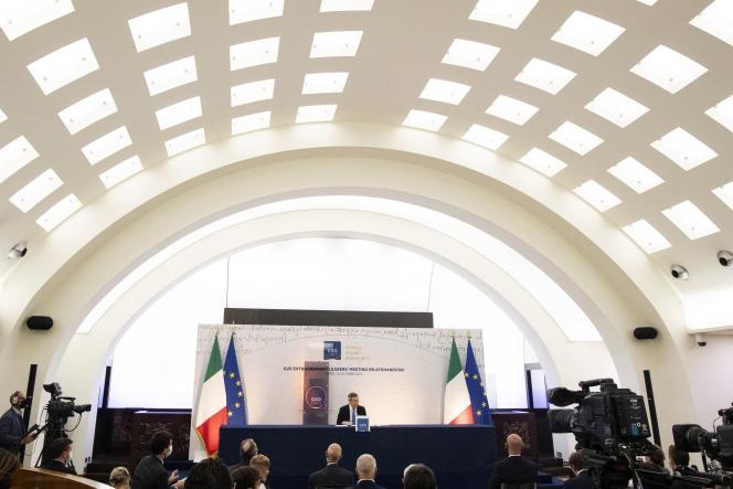 Le premier ministre italien Mario Draghi pendant la conférence de presse qui a suivi le sommet virtuel du G20, àRome, le 12,octobre 2021.