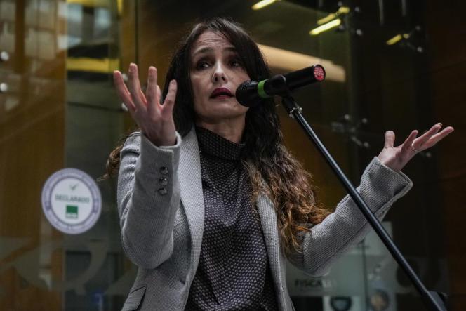 Marta Herrera, responsable de l'unité anticorruption au parquet chilien, donne une conférence de presse à Santiago, le vendredi 8 octobre 2021.