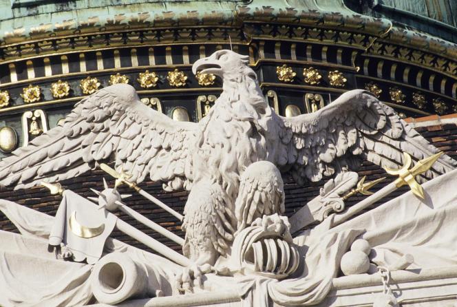 Un aigle impérial de la cour intérieure du palais de la Hofburg, à Vienne.