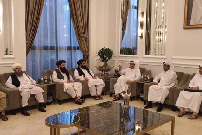 Une délégation talibane rencontre des délégués qataris à Doha, au Qatar, le 9 octobre 2021.