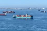 Des porte-conteneurs en attente, au large de Los Angeles, le 1er octobre 2021.
