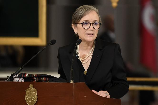 La première ministre Najla Bouden annonçant la formation d'un nouveau gouvernement à Tunis, le 11 octobre 2021.