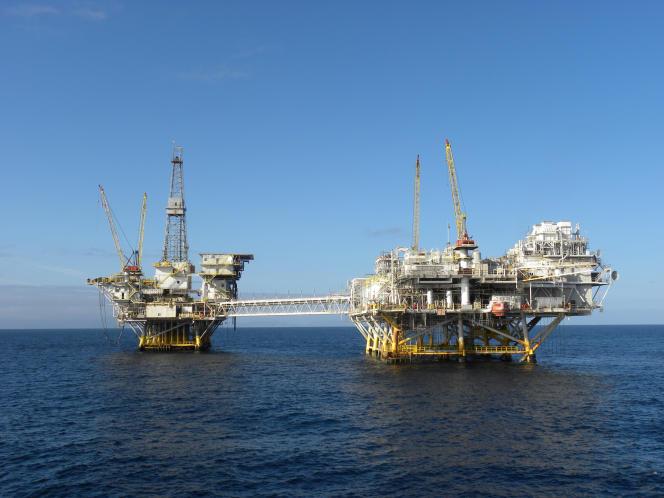 Plates-formes pétrolières offshore «Ellen» et «Elly» près de Long Beach, en Californie, en 2012.