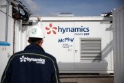 A l'extérieur de la stationde production d'hydrogène Hynamics (filiale du groupe EDF), à Auxerre, le 13 octobre 2021.