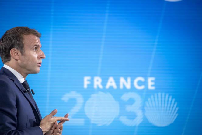 Emmanuel Macron présente le plan France 2030, à Paris, le 12 octobre 2021.