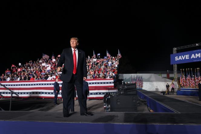 L'ancien président Donald Trump lors d'un rassemblement à Des Moines (Iowa), le 9 octobre 2021.