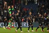 L'équipe du PSG célèbre sa victoire au Parc des Princes à Paris, vendredi 15 octobre 2021.