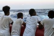 Rescapés de la traversée périlleuse pour rallier l'Europe sur le bateau humaintaire SOS Méditerranée en août 2019.