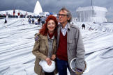 Jeanne-Claude et Christo ont passé beaucoup de temps à convaincre, négocier et financer les installations gigantesques, qui ont fait leur gloire.