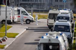 Devant l'hôpital Kommunarka, près de Moscou, le 15 octobre 2021.