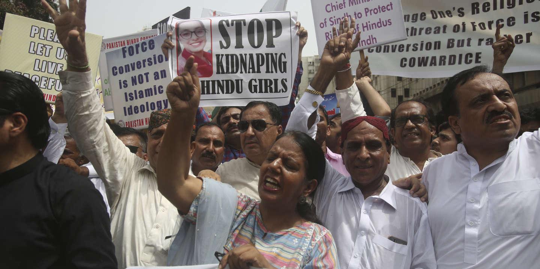 Le Pakistan renonce à pénaliser les conversions forcées