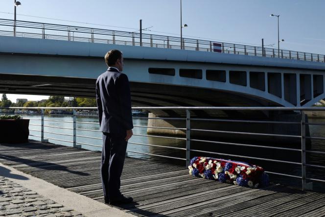 Emmanuel Macron lors de la commémoration du massacre du 17 octobre 1961, à Colombes, le 16 octobre 2021.