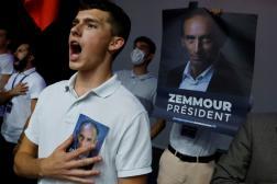 Des sympathisants de l'essayiste d'extrême droite Eric Zemmour lors de son meeting à Béziers, le 16 octobre 2021.