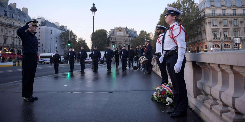Massacre du 17octobre1961: le préfet de police de Paris Didier Lallement dépose une gerbe de fleurs «à la mémoire des morts»