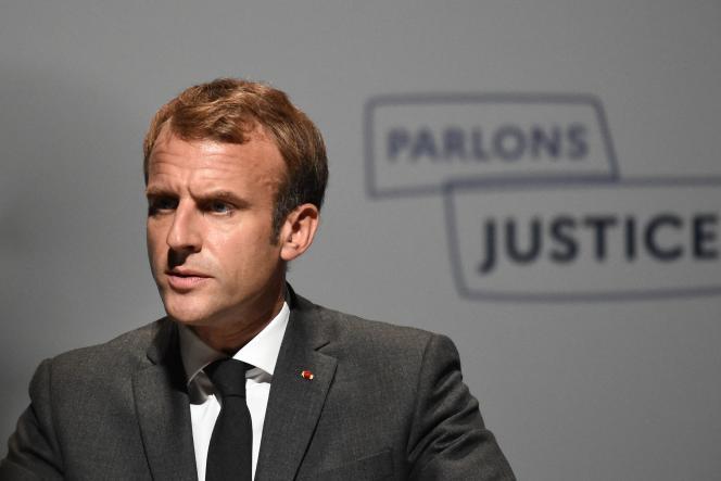 Emmanuel Macron lors de l'inauguration des Etats généraux de la justice,au palais des congrès de Poitiers, le 18 octobre 2021.