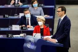 Le premier ministre polonais Mateusz Morawiecki prononce un discours, auParlement européen, à Strasbourg, le 19 octobre 2021.
