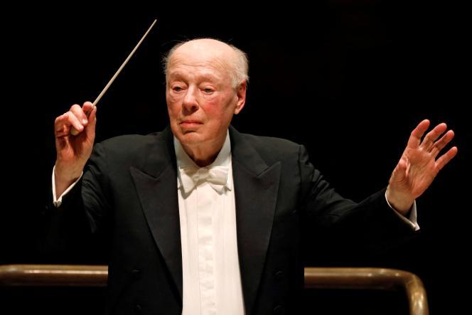 Bernard Haitink dirigeant l'Orchestre symphonique de Londres, le 11 mars 2019.
